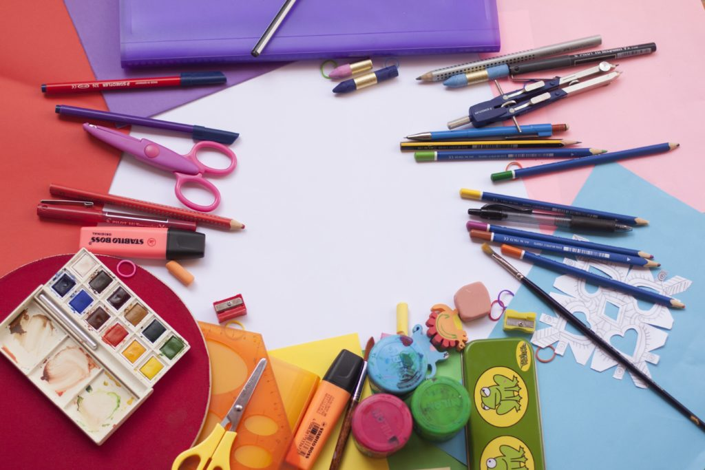 A halo of different art materials you can use.